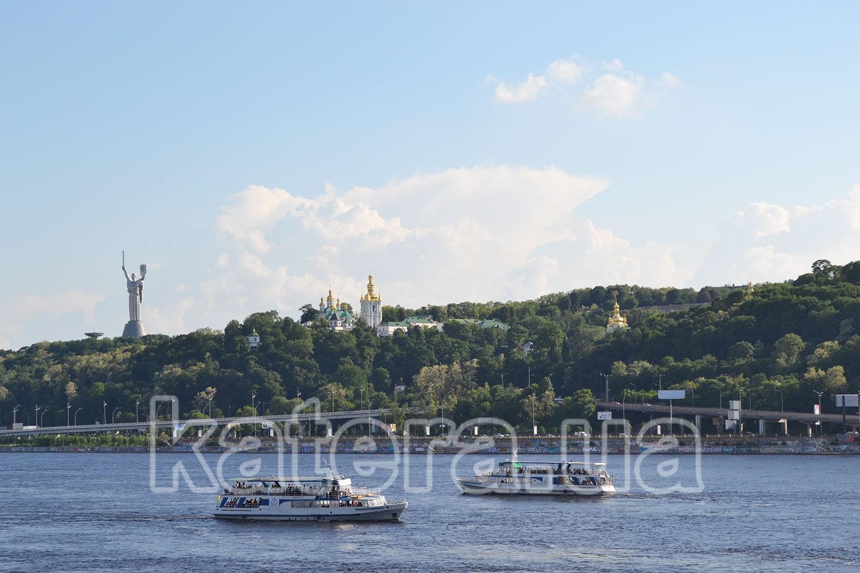 Экскурсия на теплоходе в Киеве