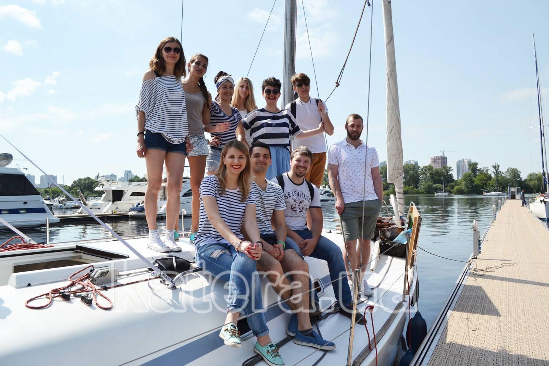 Отдых на яхте с коллегами