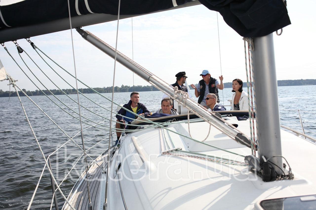 Отдых на яхте с мастер-класс по управлению