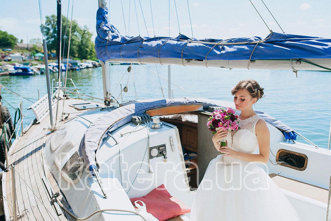 Свадебная фотосессия на яхте в Киеве