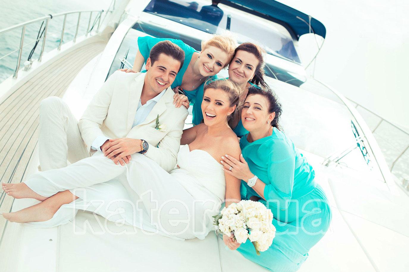 Свадьба на моторной яхте в Киеве