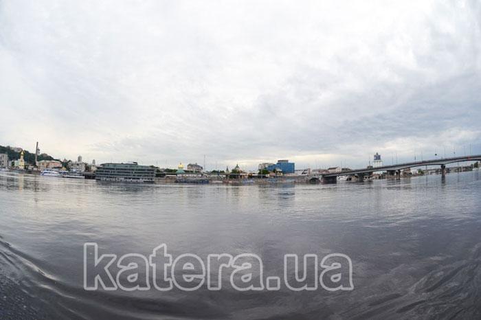 Набережная Киева с Днепра