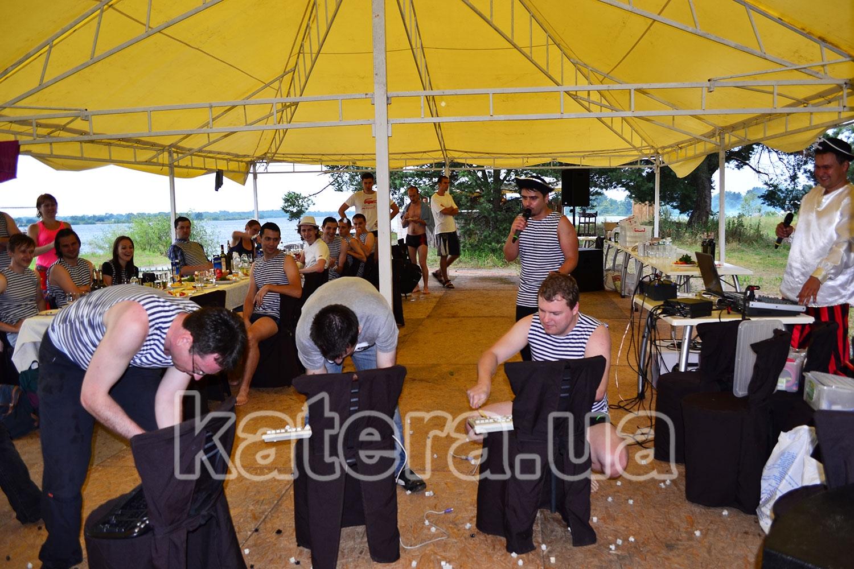 Конкурс от ведущего для гостей на острове Великий - katera.ua