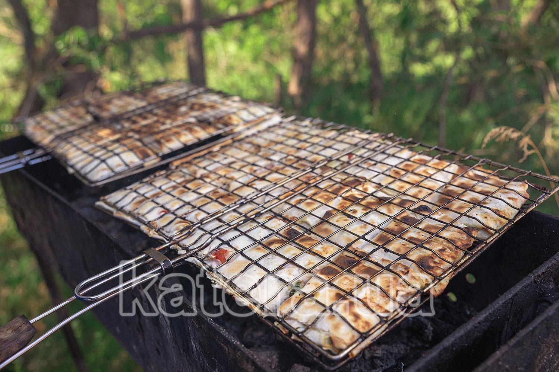 Приготовление лаваша на мангале - katera.ua