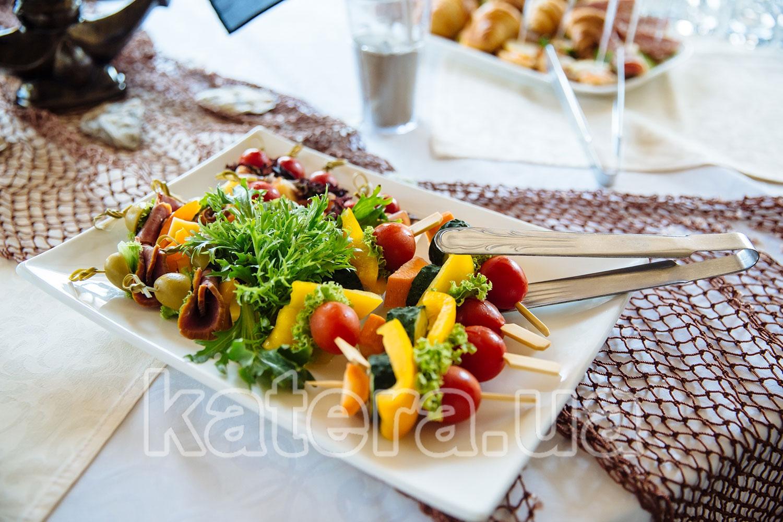 Закуски на шпажках - katera.ua