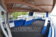 Танцевальная площадка на верхней палубе теплохода Эколог - Katera.ua