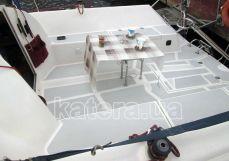 Места для гостей со столиком в кокпите - Katera.ua