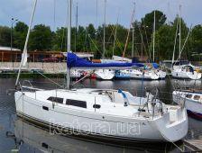 Яхта Hanse 320 в яхт-клубе возле причала - Katera.ua