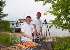 Работа мангальщиков на острове Великий - Katera.ua