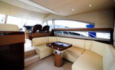 Кают-компания на моторной яхте Princess 50 - Katera.ua