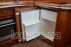 Холодильник на яхте Sea Wave - Katera.ua