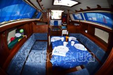 Кают-компания внутри яхты Карина - Katera.ua