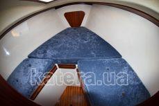 Носовая каюта на яхте Карина - Katera.ua