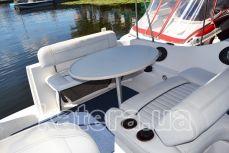 Стол и диваны на яхте Бейлайнер 2655 - Katera.ua