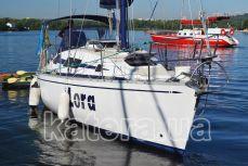 "Yacht ""Lora"""