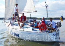 Гости отдыхают на яхте Карина - Katera.ua