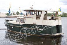 Вид на яхту Фридом сзади - Katera.ua