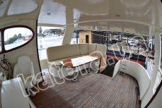 Полуоткрытая верхняя палуба на яхте Фридом - Katera.ua