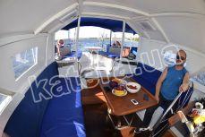 Общий вид кокпита на парусной яхте Яна - Katera.ua
