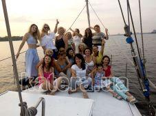 Фотосессия девичника на носу яхты Яна - Katera.ua