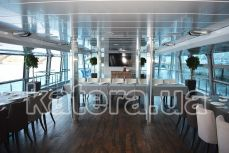 Салон с панорамными окнами на нижней палубе теплохода Silver Wave - Katera.ua