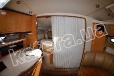 Носовая каюта со шторкой на яхте Chaparral 350 - Katera.ua