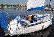 Вид сзади на яхту Дельта - Katera.ua