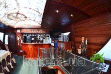 Барная стойка в банкетном зале на теплоходе Эдем - Katera.ua