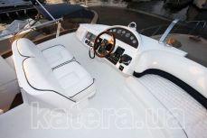 Пост управления яхтой Принцесса 45 на флайбридже - Katera.ua