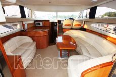 Кают-компания на яхте Принцесса 45 - Katera.ua
